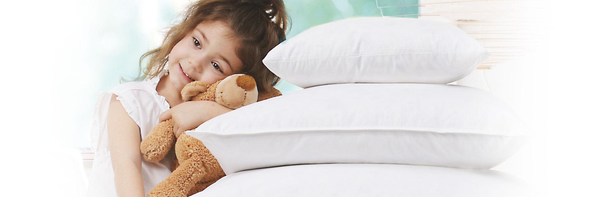 In einen himmlischen Schlaf finden Sie mit den geeigneten Bettwaren.